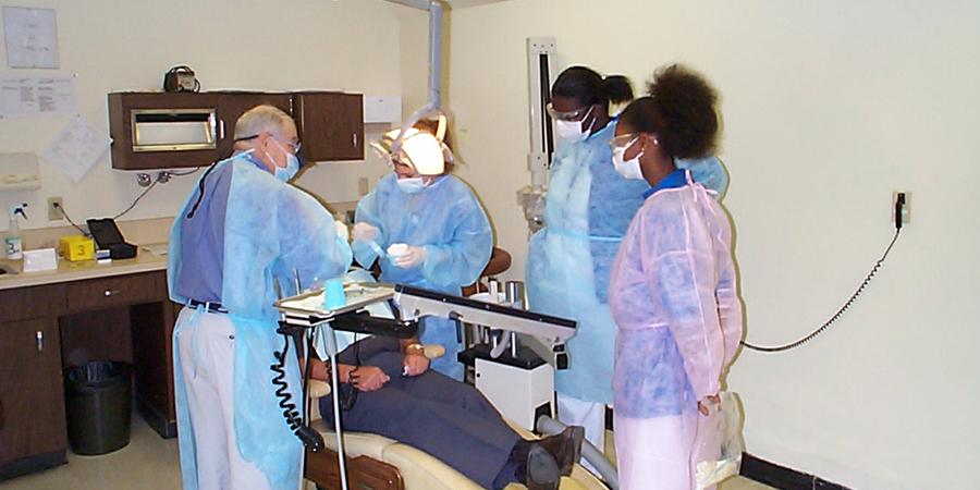 Lindsey-Hopkins-Dental-Assisting-Students